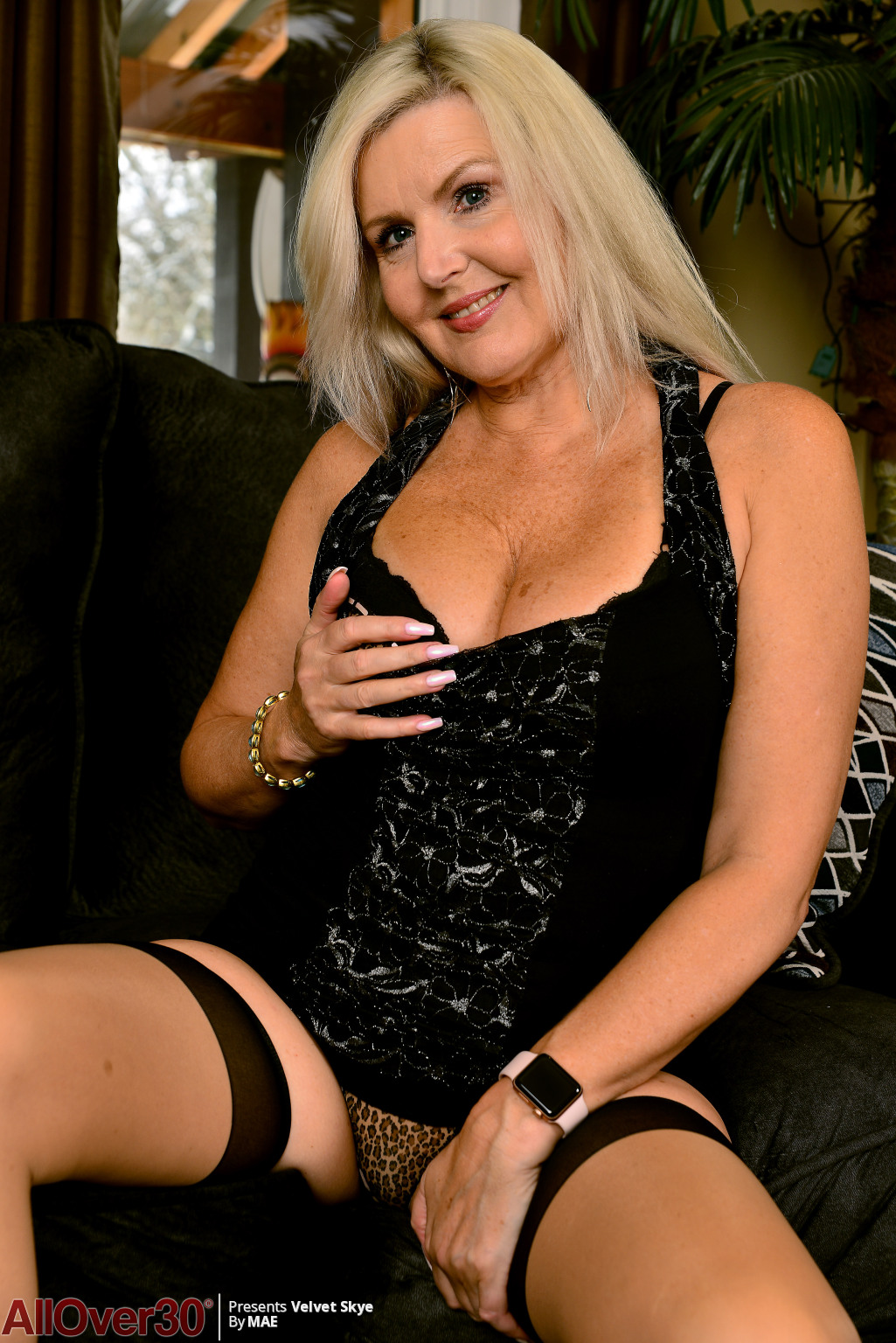 velvet-skye-angelic-mature-beauty-04