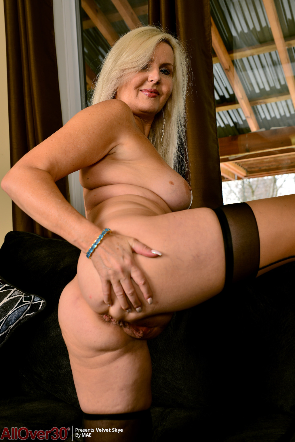velvet-skye-angelic-mature-beauty-10