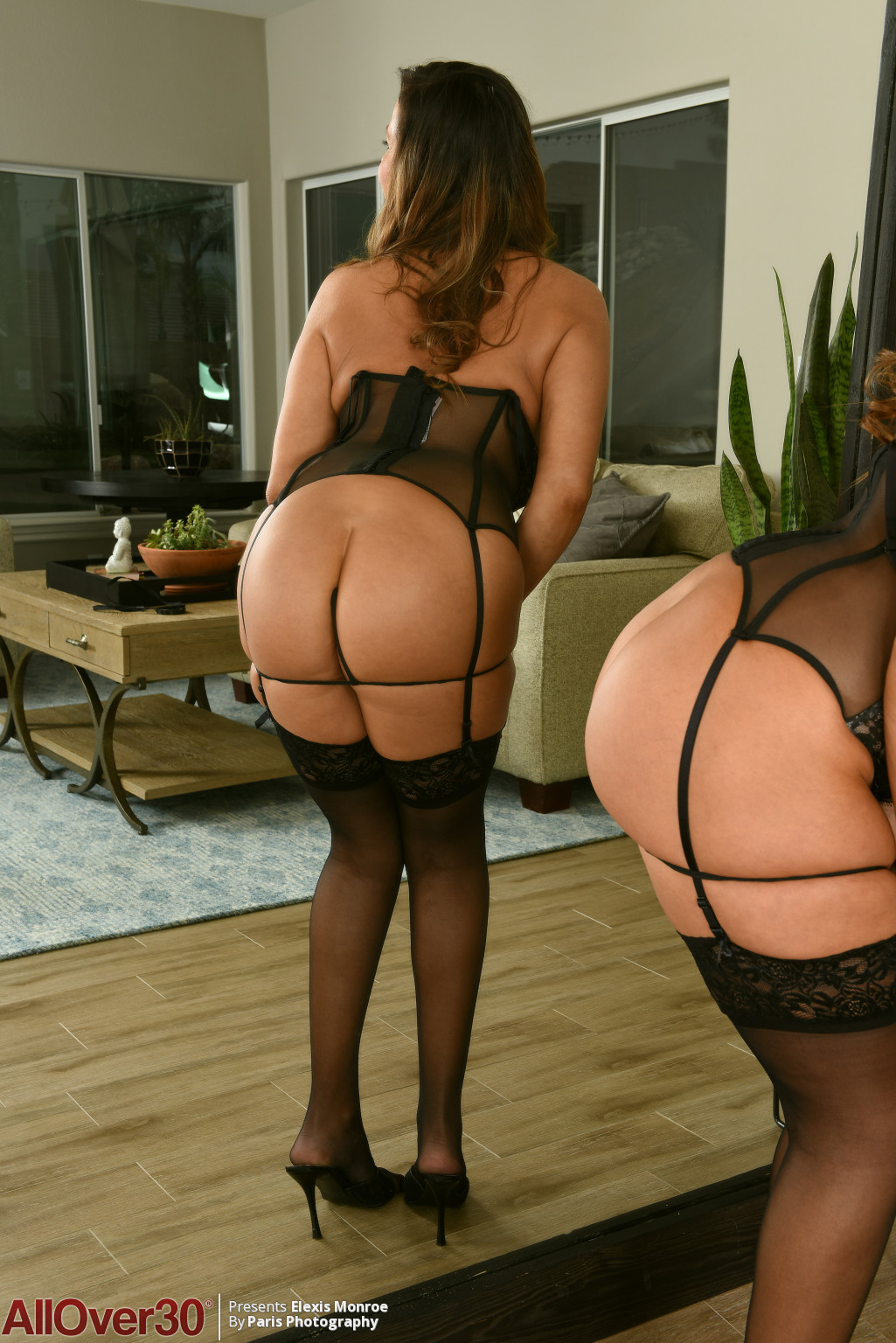 elexis-monroe-sexy-reflection-06