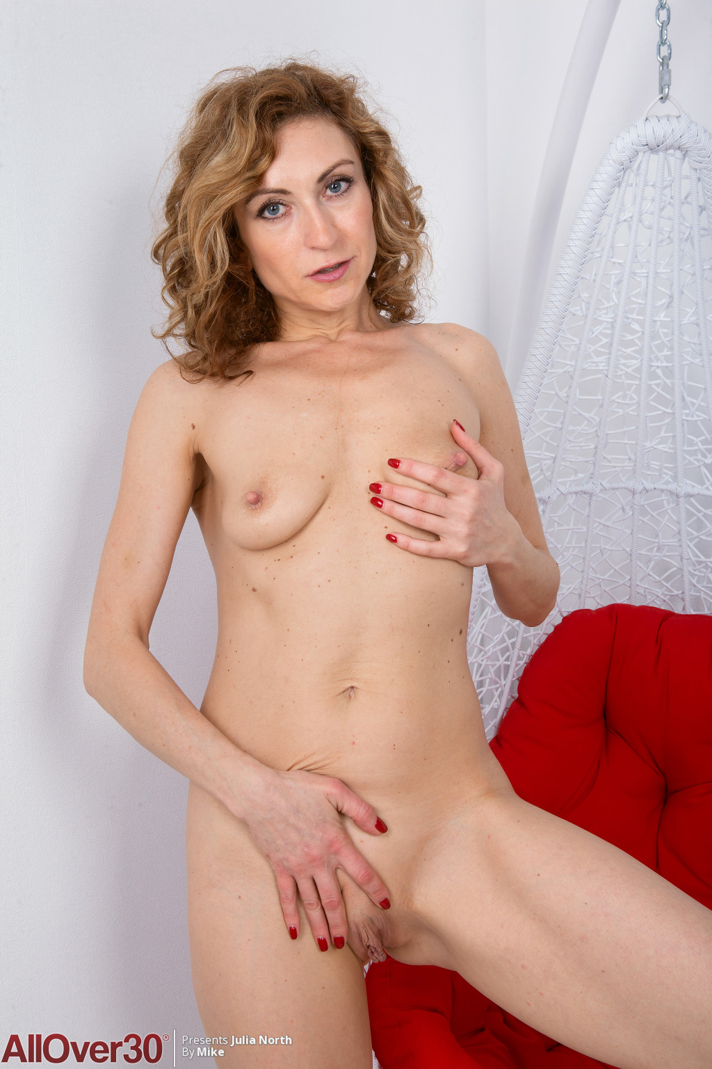 julia-north-milf-bunny-15