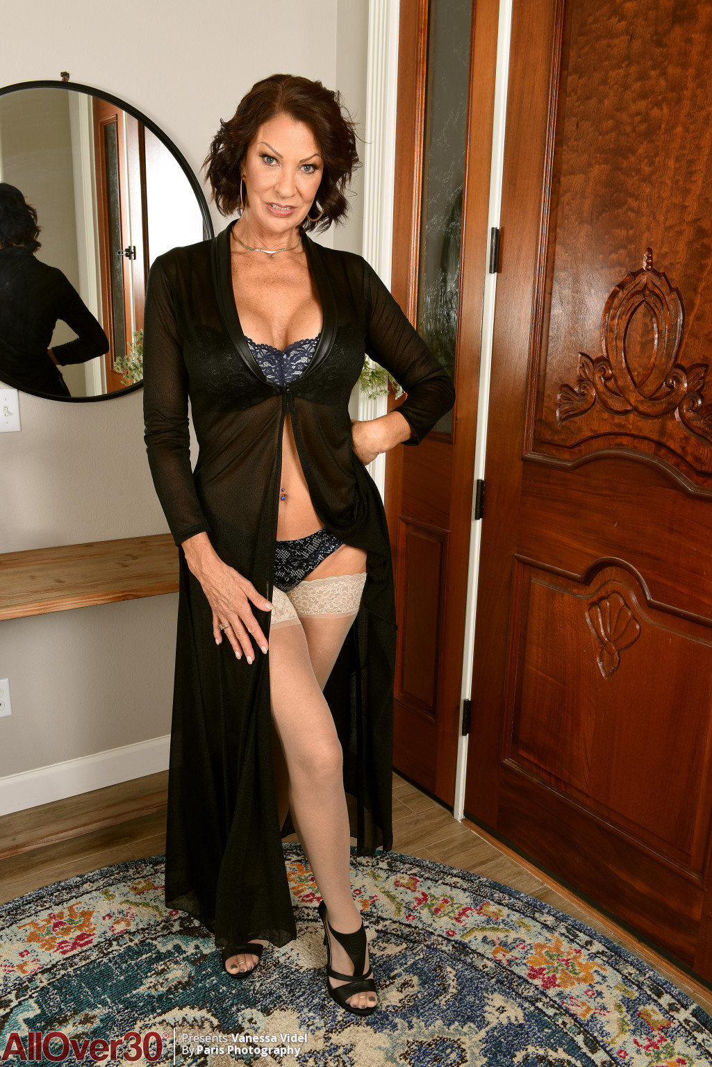 vanessa-videl-mature-stockings-02