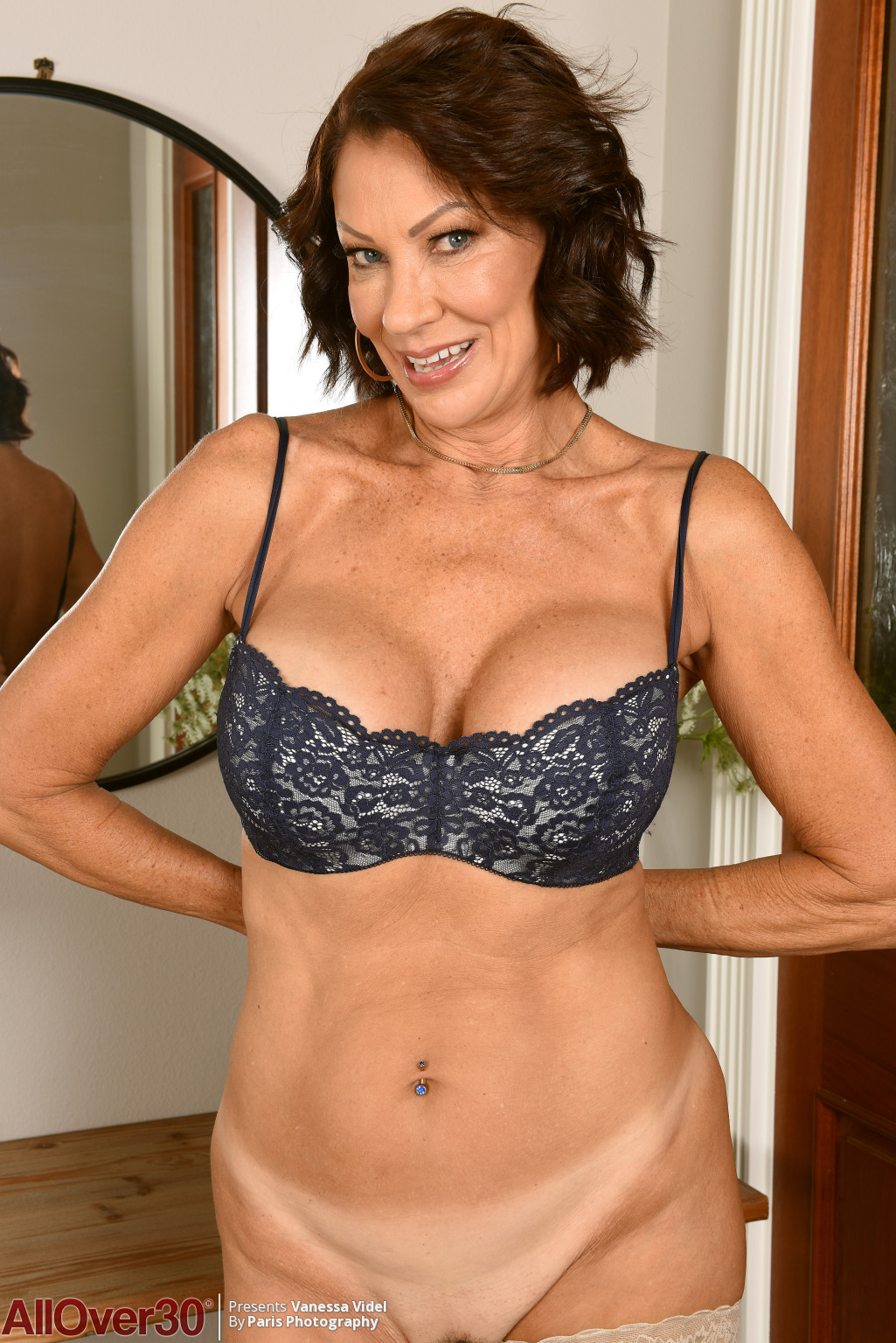 vanessa-videl-mature-stockings-08