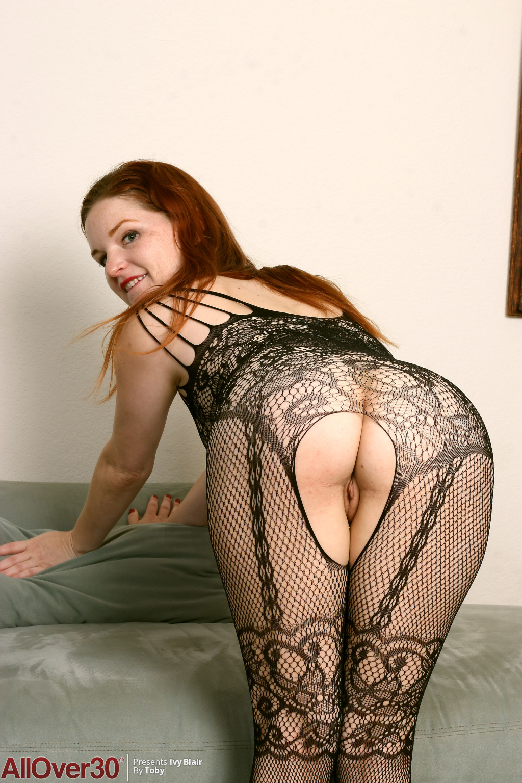 ivy-blair-lacy-stockings-01