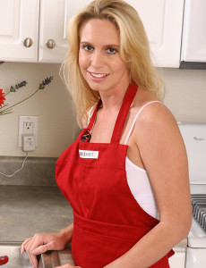 Debbie  Takes off off Her Red Apron and Plays with Her  Hoo Ha