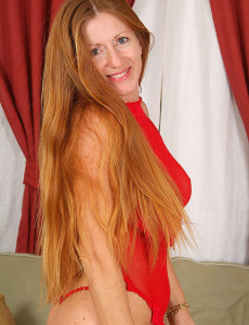 Redheaded  Mom in Red Knickers Wows Us with Her Bod
