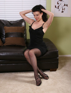 Brown Haired  Cougar  Undresses of Her Elegant Dress and  Opens  Beaver
