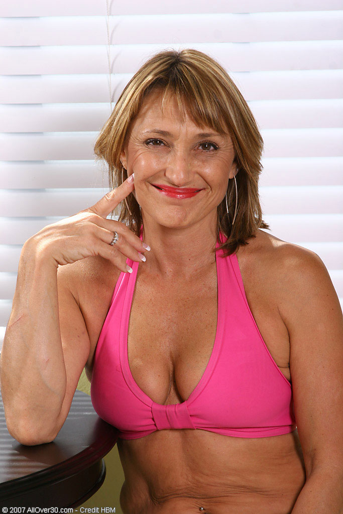 Jillian  Undresses out of Her  Attire and Shows Her 49 Year Old  Beaver