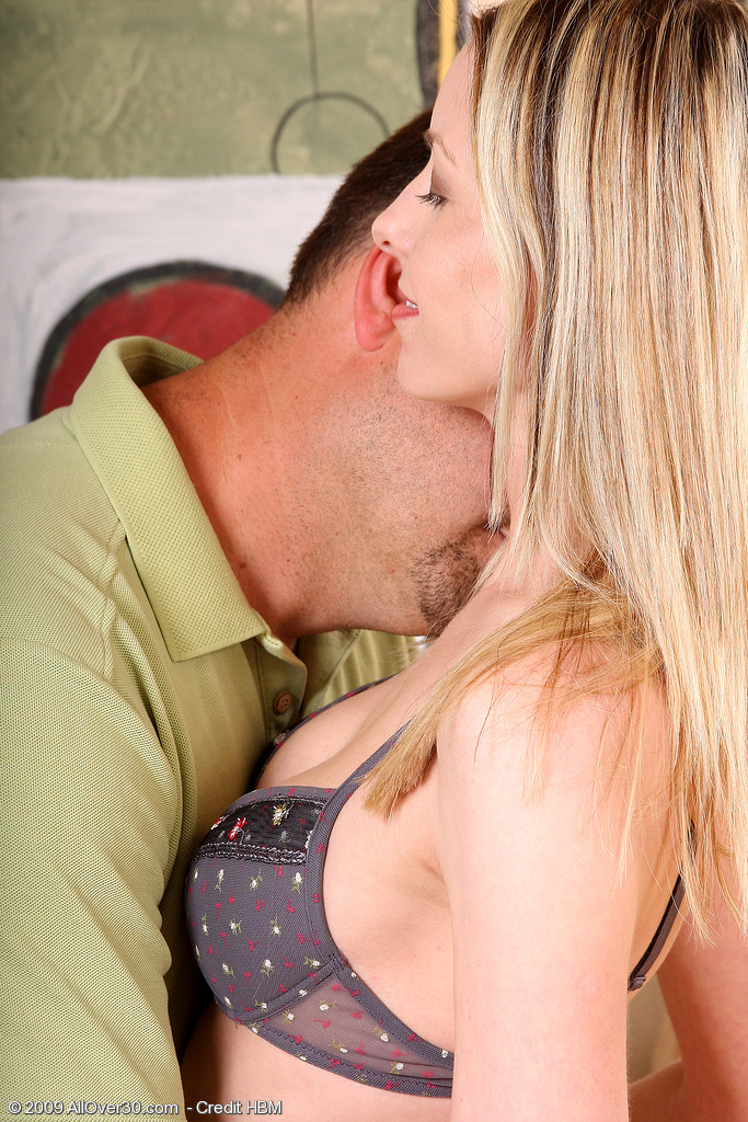 Alexis T from  Milfs30 Gets Her Tight  Older Babe  Beaver Jammed Full