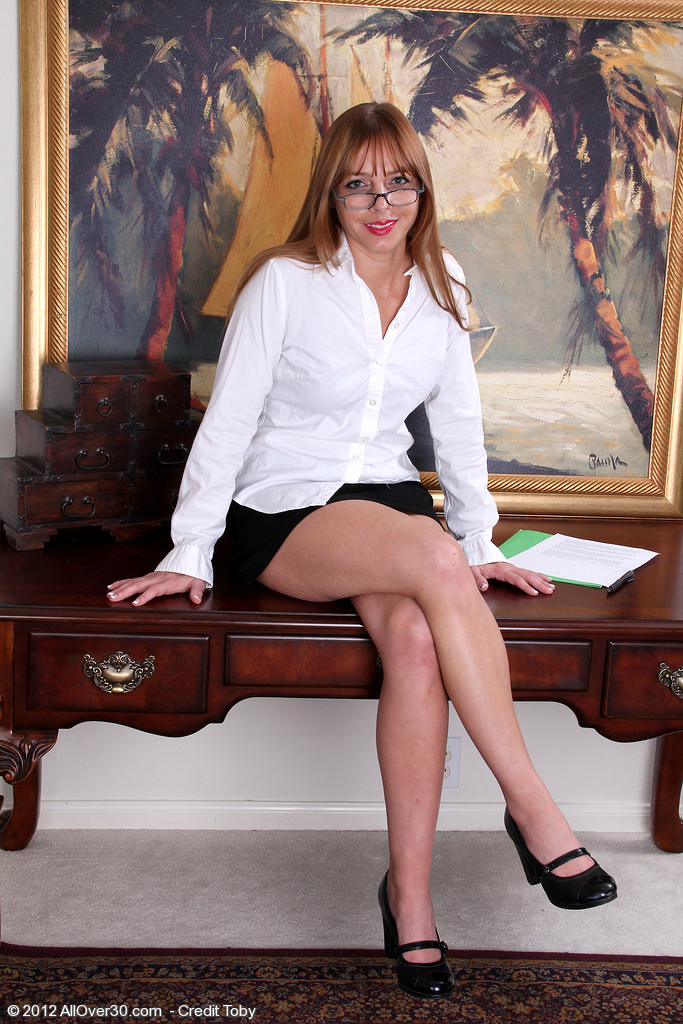 Hot and  Older Honey Secretary Takes a Coffee Crack to Spread Her Gams