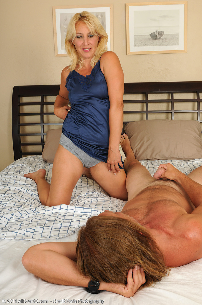 45 Year Old Andi from  Milfs30 Glides Her  Older  Hoo Ha over Hard Cock