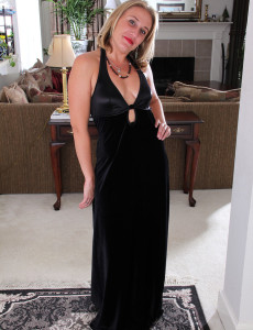 Blond Haired and Elegant Opportunity from  Milfs30 Shows off Some Hot Tights