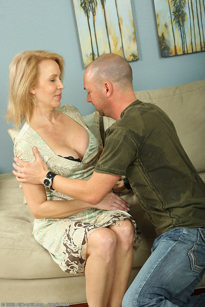 Hot  Blond  Mom Liking a Junior Cock in Her Again  Slit