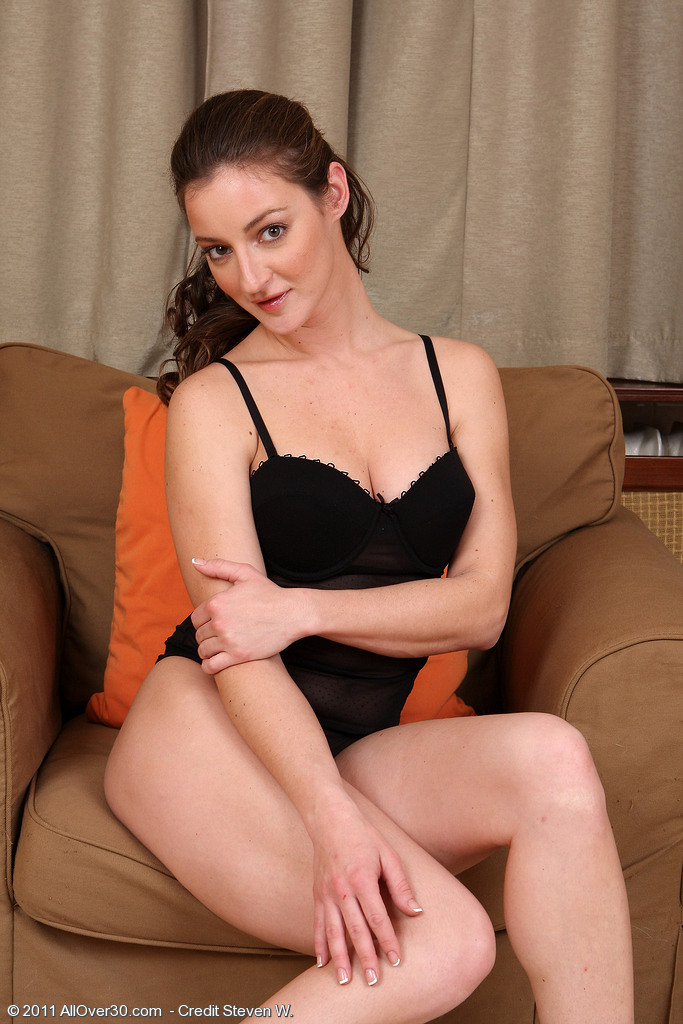 Curvaceous  Cougar Judith Glides off Her Ebony Knickers to Reveal Wooly  Hoo Ha