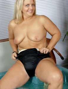 Hot 50 Year Old Women Porn