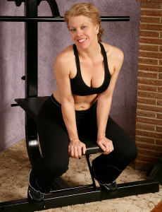 Defined Lauren E from  Milfs30 Works the Weights and Her  Beaver