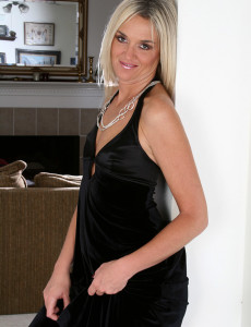 dorena milf women 48 year old mature wife dorena is eager to get her makeup done and start spilling the beans about her best sexual experiences throughout her life while sh.