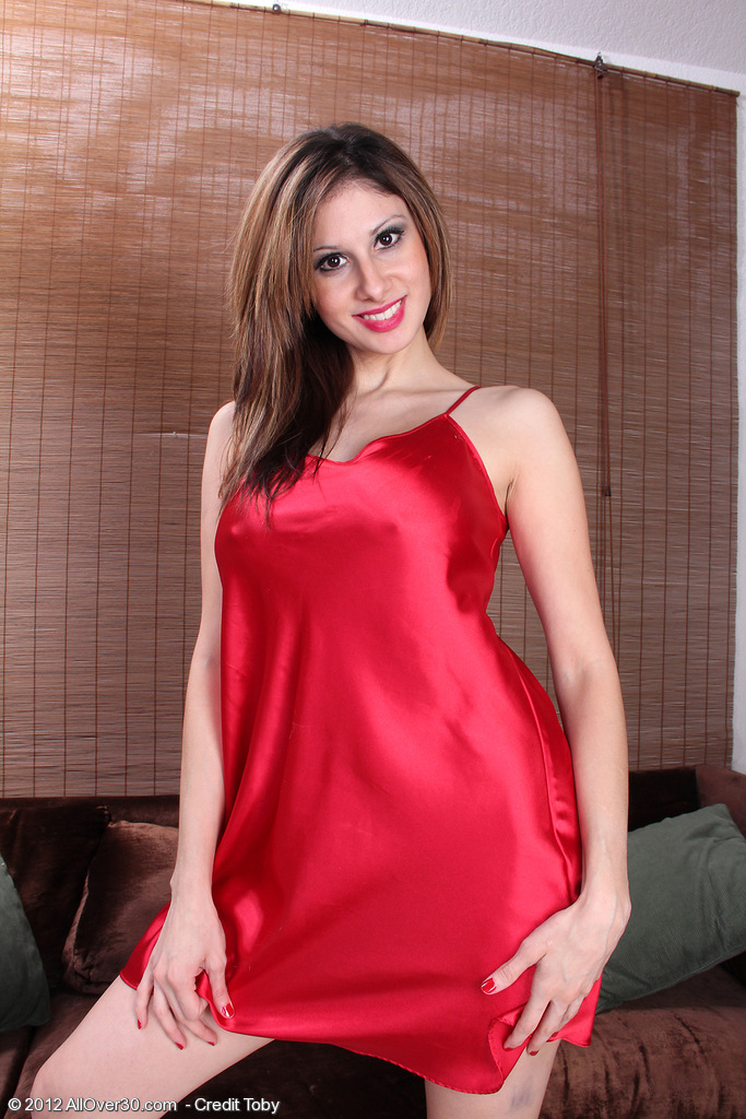 Super  Super Insane  Cougar Mazy Shows off Her  Older Babe Pinkish  Twat Underneath Red Lace