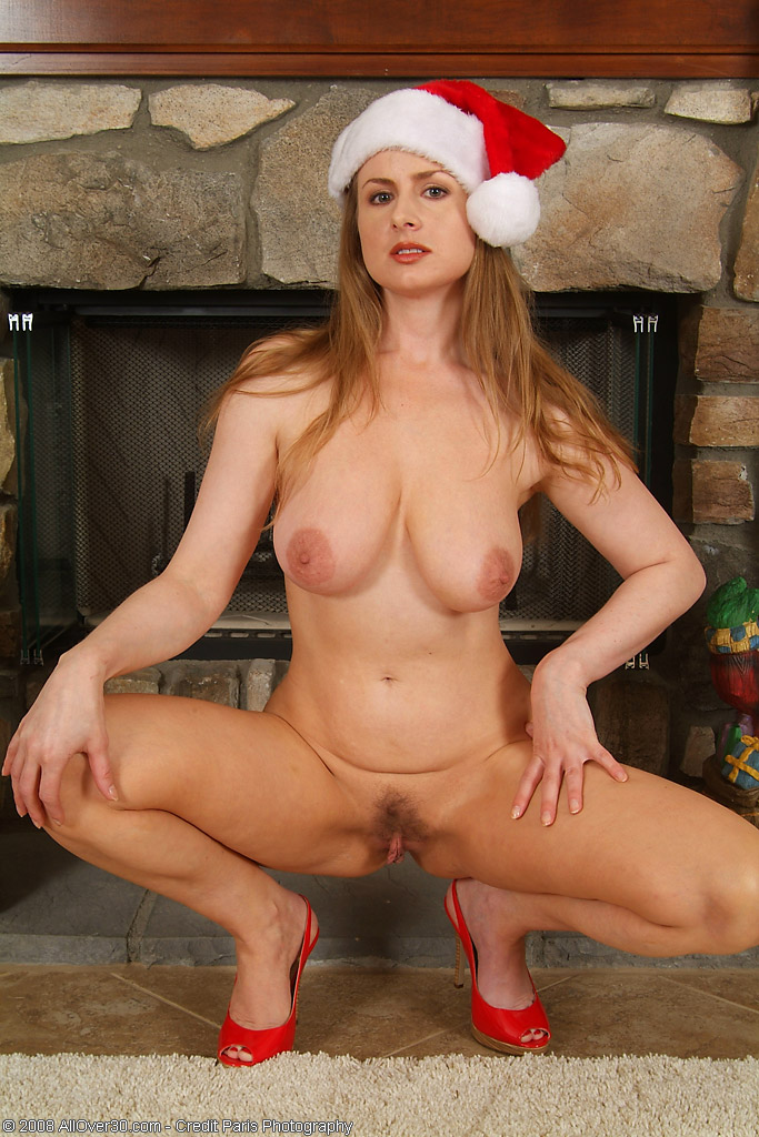 Madori from Allover30.com Dreams You a Very Merry Christmas