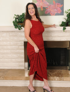 Elegant 51 Year Old Tia from  Milfs30 Slides out of Her Evening Dress