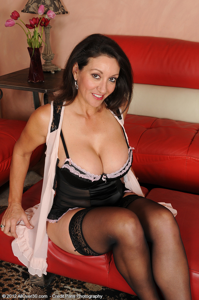 Big Breasted  Brown Haired Persia Diddles with Her Wooly 53 Year Old  Slit Here