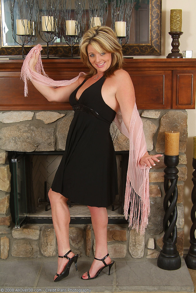Elegant Sherry V. Posing and Sharing Her Perfect Assets with Us