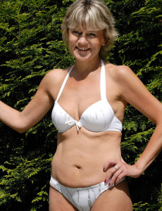 45 Year Old  Blond Haired  Wifey Sherry D Liking Her Backyard  Nude