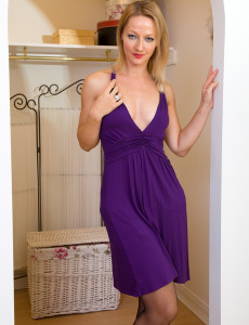 Elegant Mom Tara Trinity Glide out of Her Purple Dress and  Opens Gams