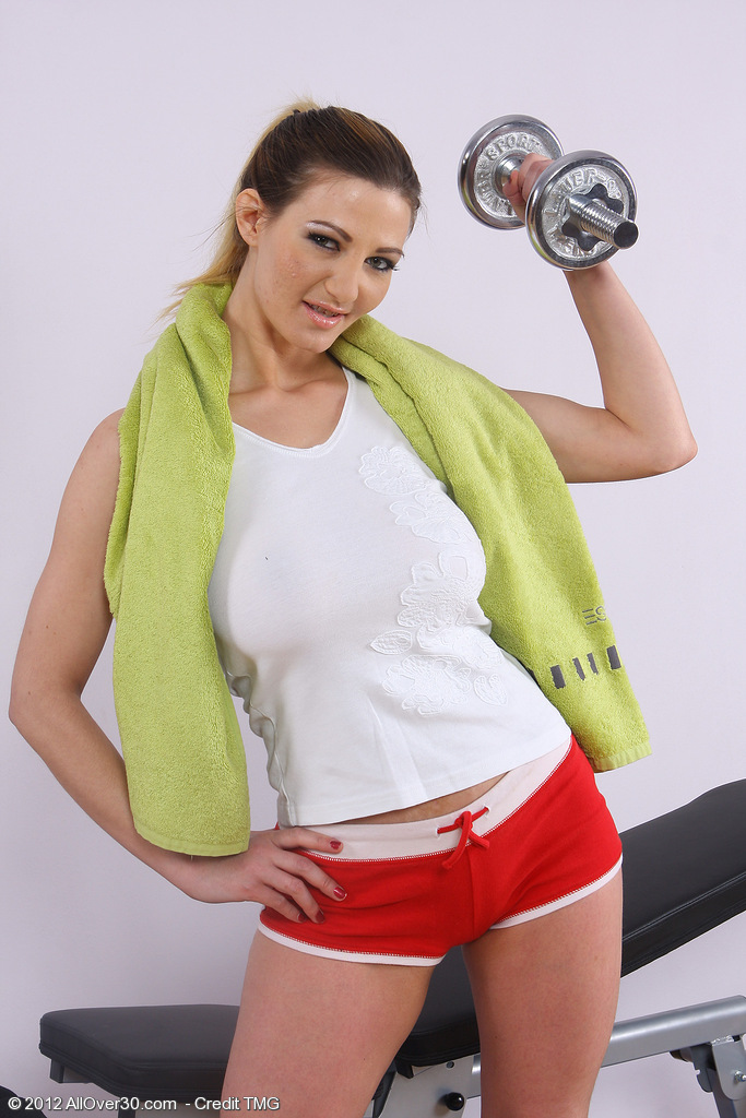 Blond Haired  Cougar Vanessa Y Sprreads Her  Hoo Ha After a Deep Workout