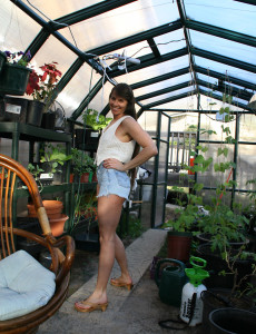 Furry Pussied Vixen Decides a Greenhouse is a Ideal Place to Play