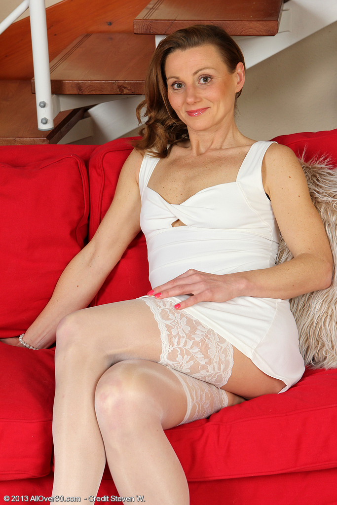 Older Babe Suzy Losson from  Milfsx  Opening Up Her Tight  Caboose Wide
