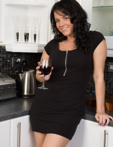 Elegant and 31 Year Old Leah H from Loving a  Hot Glass of Wine