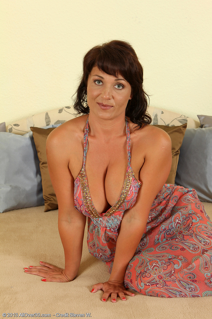 Chubby cougar intense from naughty4you com 1