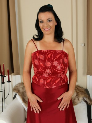 Kinky 35 Year Old Leona Sweet Slides from Her Elegant Clothes Here