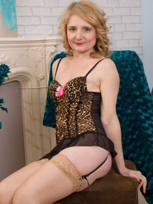 Cute 45 Year Old Isabella B from  Milfs30 Looking Hot Inside Her Panties