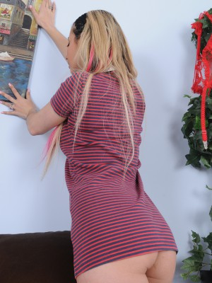 Naughty 25 Year Old  Blond Alana Luv from  Milfs30 Works Herself Up