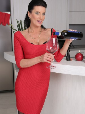 32 Yr Old Olivia from  Milfs30 Gets Nude After a Glass of Red Wine