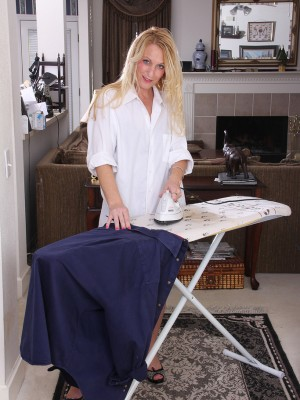 Insatiable  Cougar Jackie Does the Ironing then Exhibits Her Nude Body