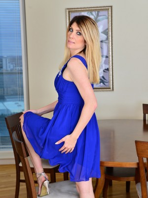 Blue Saw Stunner Ashleigh Mckenzie Glides from the woman Blue Dress and into the Heart