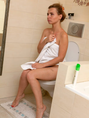 Slim Bombshell Margarita Showering and Dumping