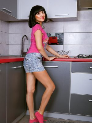 Sexy Sakyra Kitchen Unwrap