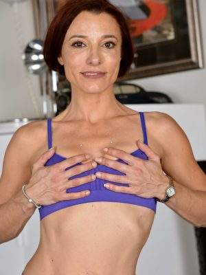 Stella Banks Athletic Mom