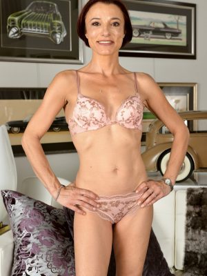Stella Banks Slender and Fit